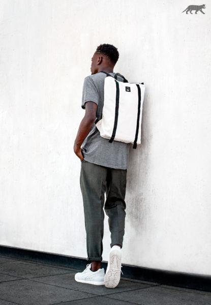 2016-09-14-asics-gel-respector-backpack-1-415x600
