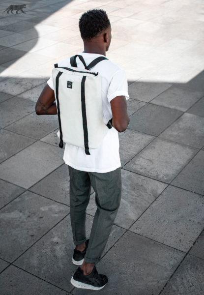 2016-09-14-asics-gt-cool-xpress-backpack-2-415x600